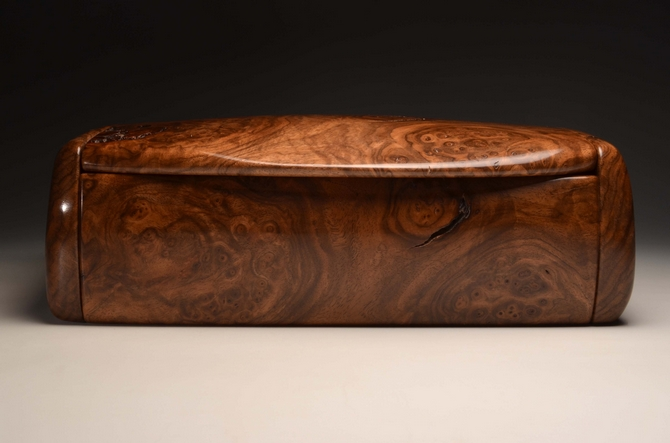 A handmade bureau box from Burr Walnut No.0192