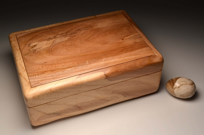 A handmade jewellery box from Spalted Elm - No. 0047