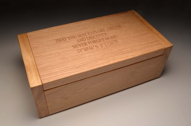 Personalised Oak Memory box Ref.OTLM
