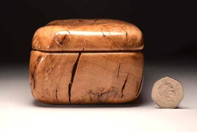 Burry Oak keepsake box No.0135