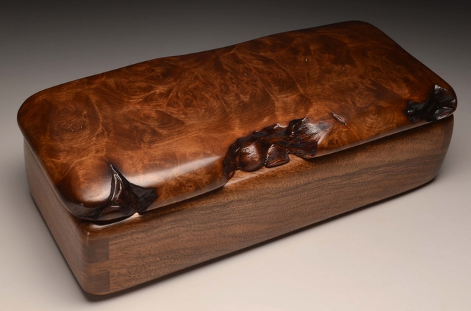 Handmade Burr Walnut keepsake box No.0154